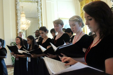 Chambers singers perform holiday music at White House