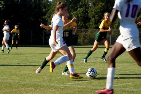 Girls soccer looks to defeat Knights on battlefield Monday