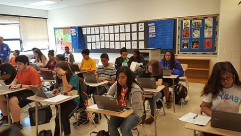 New Chromebooks transform English classes into mobile computer labs