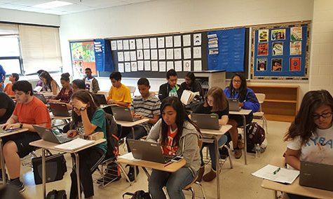 New Chromebooks transform English classes into mobile computer labs