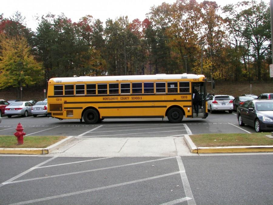 The+bus+waits+outside+to+bring+students+to+Edison.