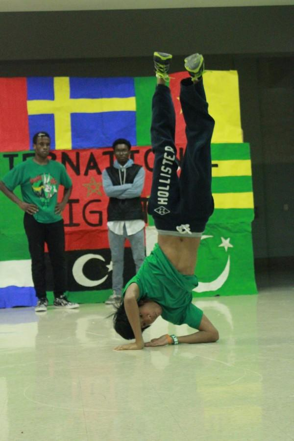 International night showcases diversity of students, teaches new dance moves