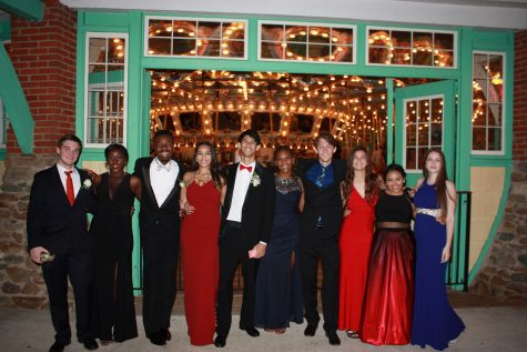 Picture perfect: Carnival prom proves huge success at Glen Echo Park
