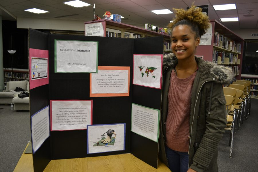 Sophomore+Chioma+Nwoye+with+her+project