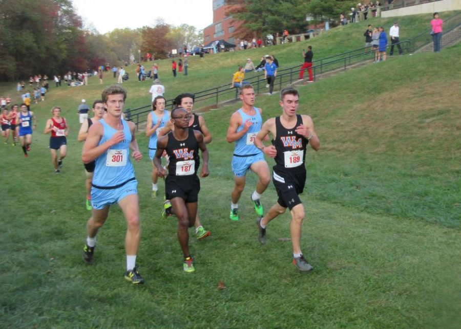 Senior Tyrese Hibbert and junior Zach Pepperl fight to maintain their lead.