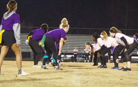 Seniors and sophomores soar to victory in annual powderpuff game