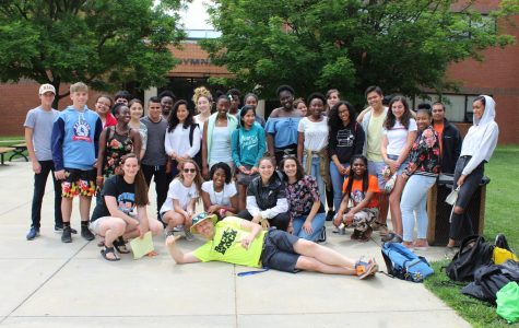Straight A students rewarded with field trip to National Zoo