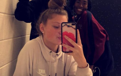 No boys allowed: senior reveals real reason why girls go to bathroom in pairs