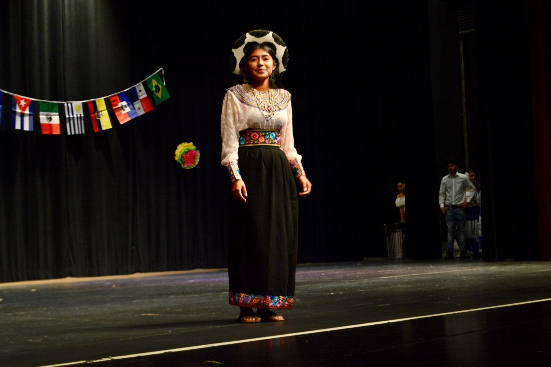 Junior+Beverlyn+Medina+shows+off+her+cultural+attire.