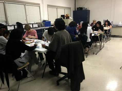 """Program allows girls to 'Dream It, Be It"""" with professional mentors"""