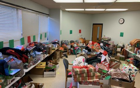 Holiday program provides gifts, food to WMHS families that need them