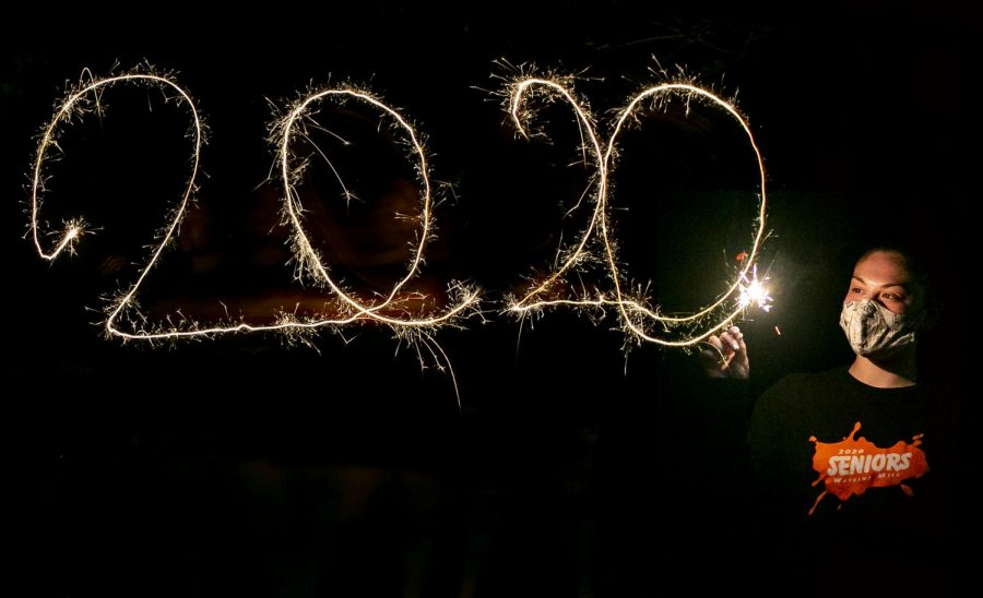 Jade+Pinkowitz+spells+out+2020+with+a+sparkler+and+says+goodbye+to+Watkins+Mill.